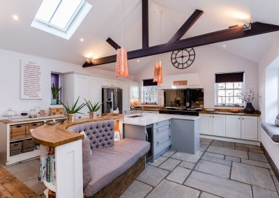 kitchen design Bedfordshire, kitchen design Hertfordshire, kitchen fitter, kitchen extension Bedfordshire, kitchen extension Hertfordshire, handleless kitchen, shaker kitchen, modern kitchen, classic kitchen, open plan living, kitchen island, breakfast bar, kitchen showroom, Siemens